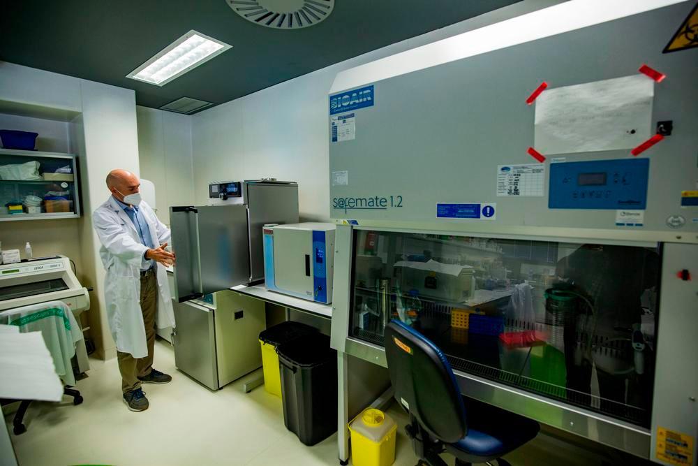 El Sescam amplía la investigación con cultivos celulares