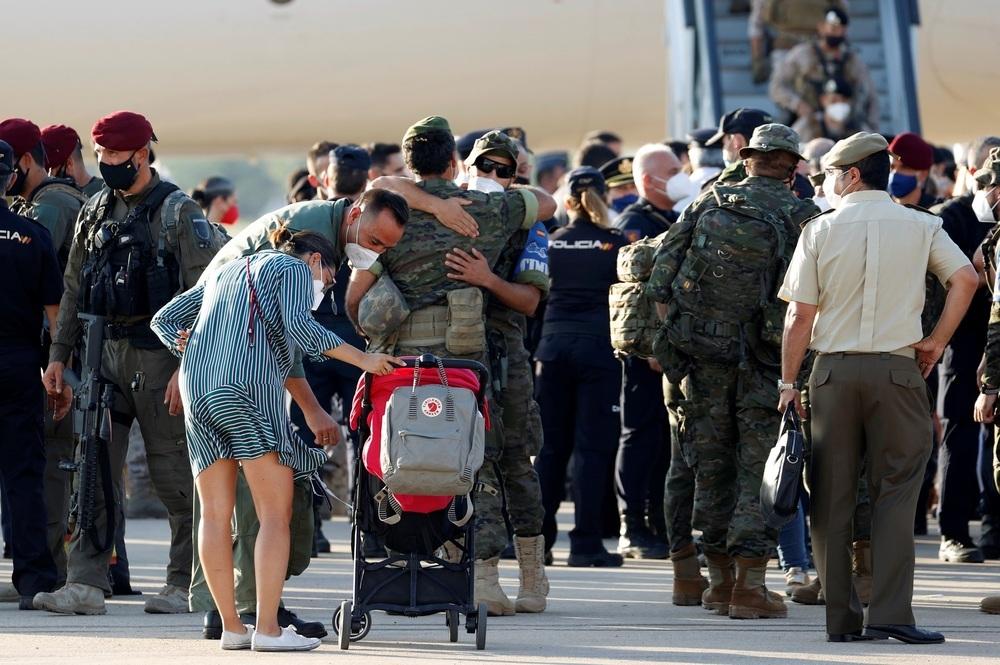 Aterriza en Torrejón el último avión con evacuados