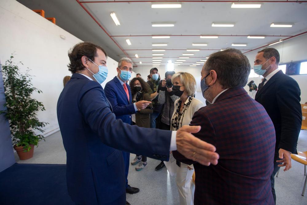 """El presidente de la Junta de Castilla y León, Alfonso Fernández Mañueco, presentó este proyecto """"pionero"""" que dará más de 8.000 sesiones al año."""