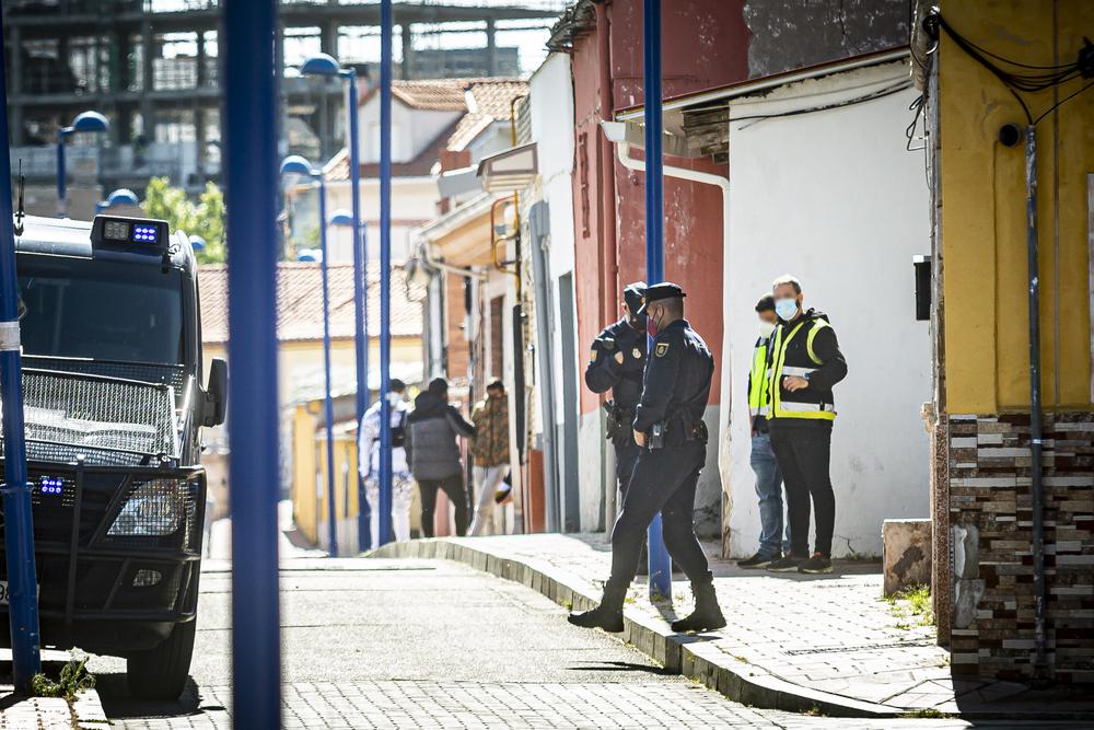 Operción policial en el Bar Latino y en el Barrio España