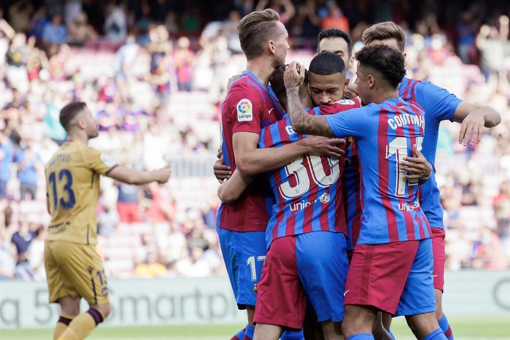 El Barça vence sin apuros al Levante