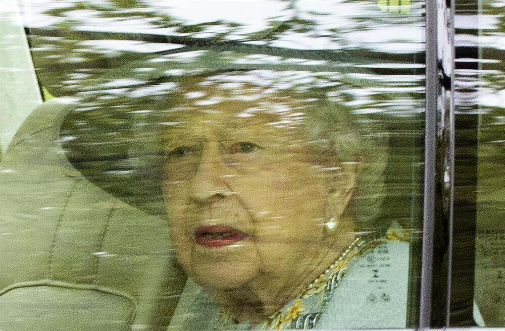 Isabel II retoma su trabajo desde el castillo de Windsor