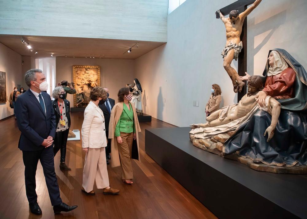 La vicepresidenta primera del Gobierno visita el Museo Nacional de Escultura