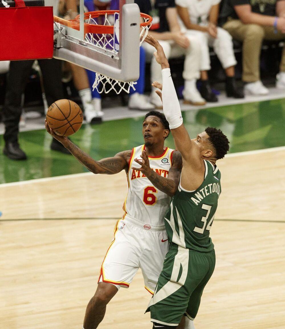 Trae Young desarma a los Bucks