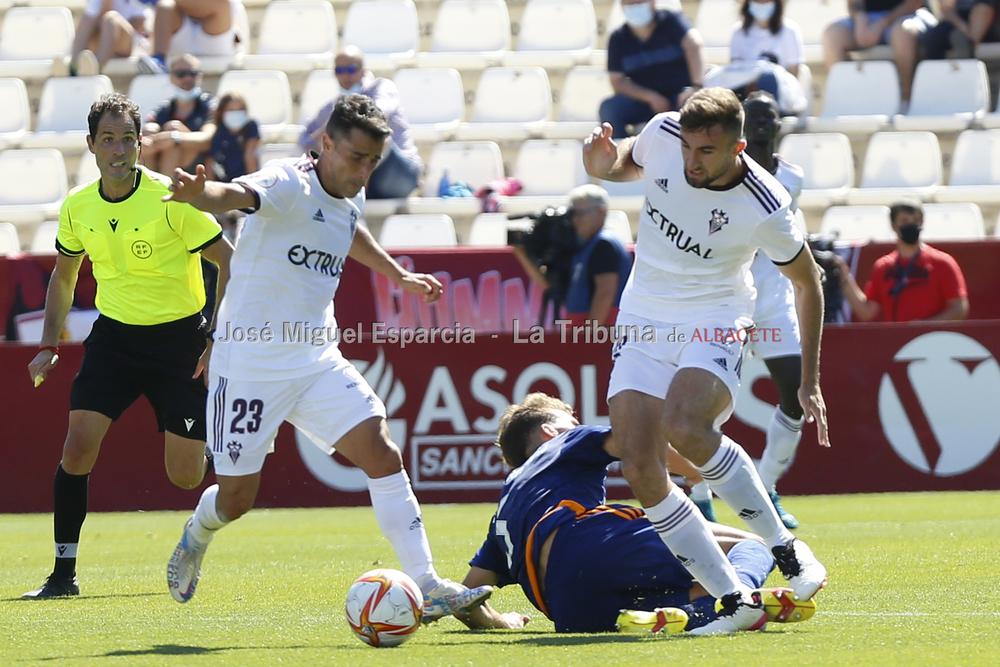 Un momento del partido disputado en el Carlos Belmonte