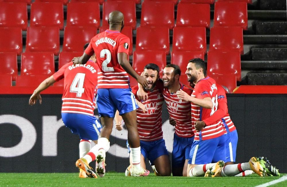 Jorge Molina y Soldado acercan al Granada a cuartos de final