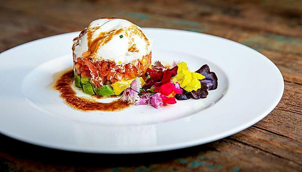 La ensalada de burrata era uno de los platos de la antigua carta del local.