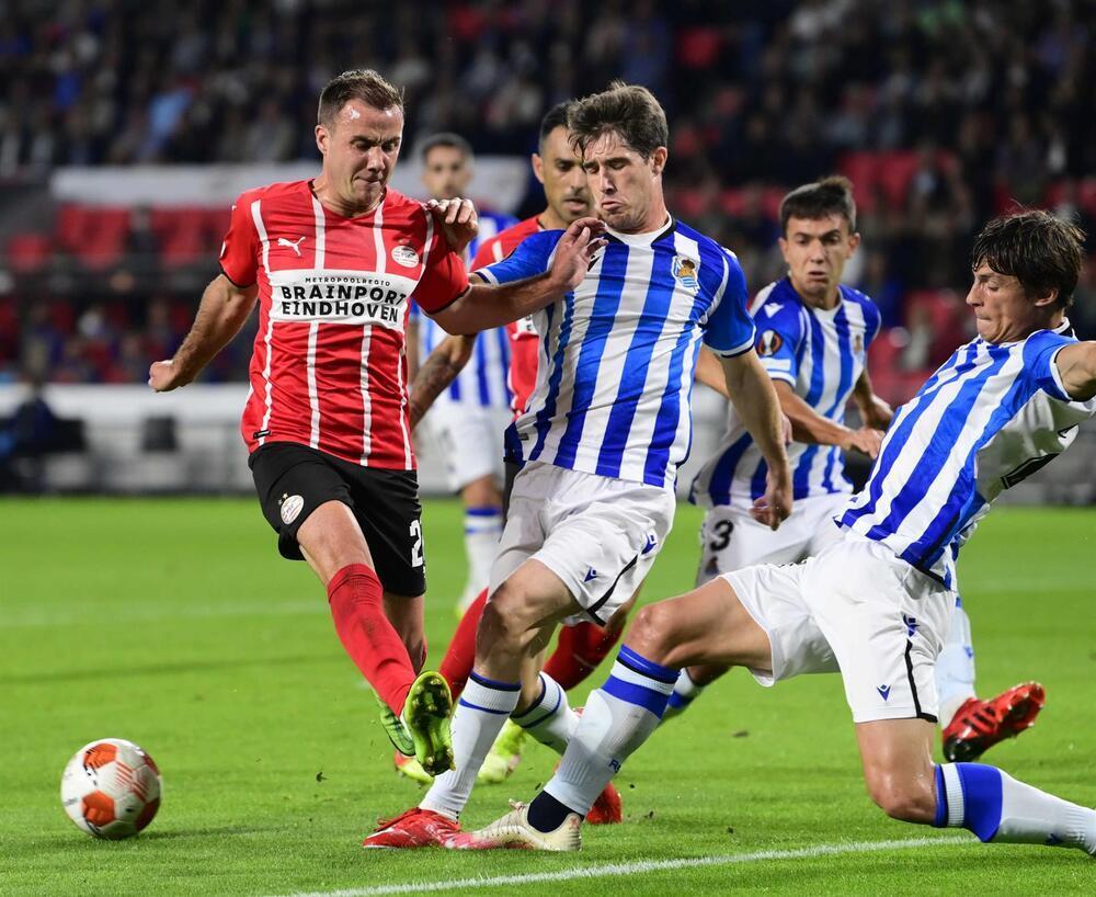 La Real Sociedad sobrevive a la batalla de Eindhoven