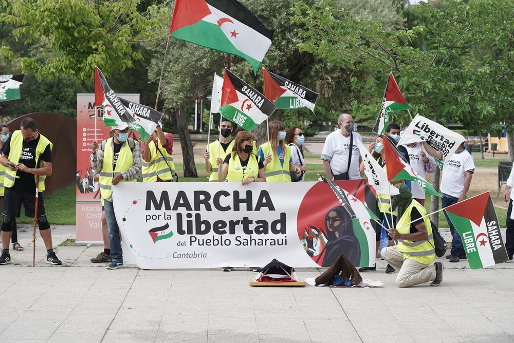 Recepción de la marcha por la libertad del pueblo saharaui, que llega a la sede de las Cortes de Catilla y León.