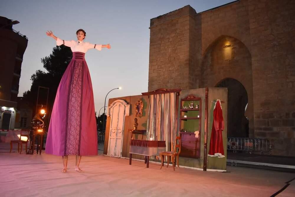 'Tea time' llena de colorido y alegría la Puerta de Toledo