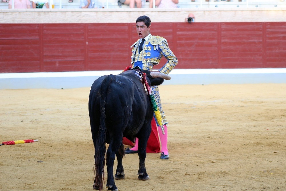 Torrejón paseó un trofeo y junto a Victor Barroso fue el triunfador numérico de la novillada.