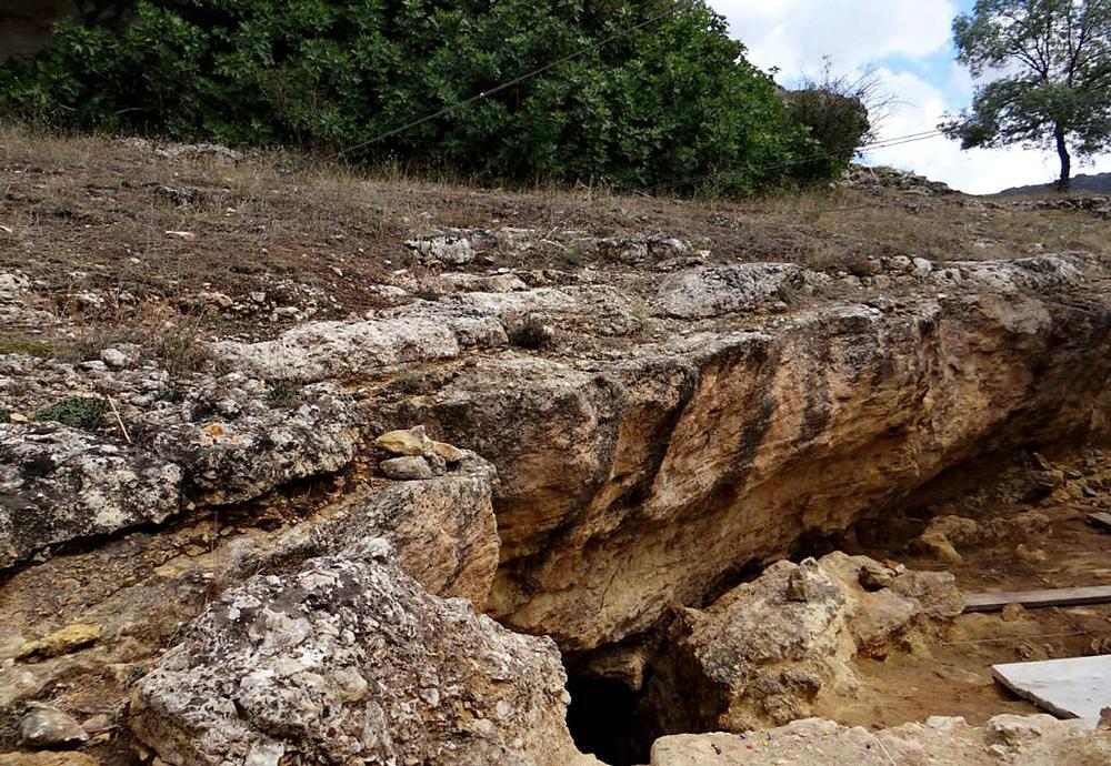 Los restos de la pequeña se encontraron en una cueva que los investigadores bautizaron como la Des-Cubierta.