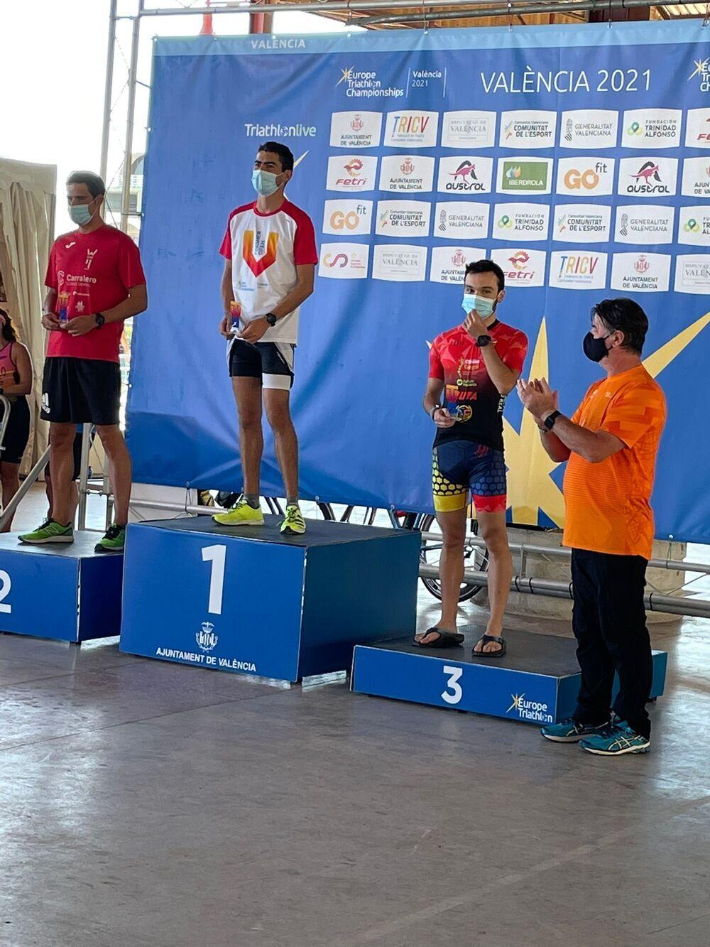 Álex Fernández, en el tercer cajón del podio.