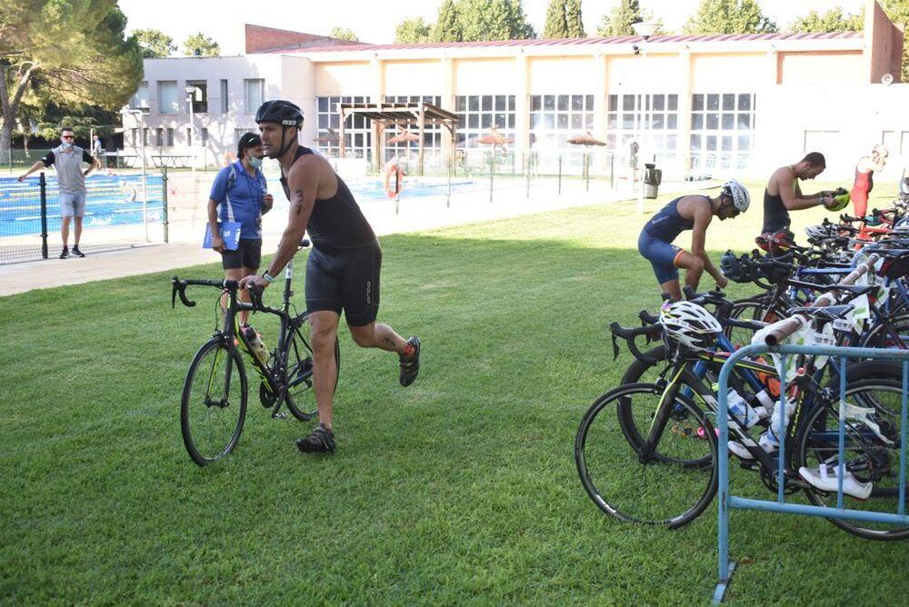 Chema López, técnico del CB Ciudad Real, en la transición para empezar el segmento de bicicleta.