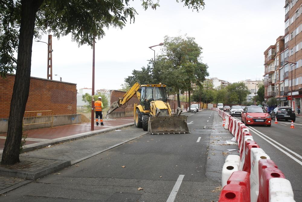 Inicio de los trabajos, en la avenida de Segovia, para la construcción del triple paso de Labradores