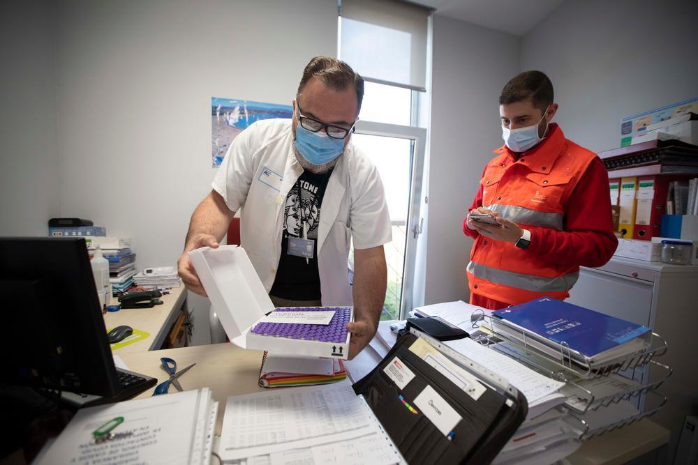 El viaje de las vacunas. Distribución de las vacunas Pfizer a los diferentes centros de salud