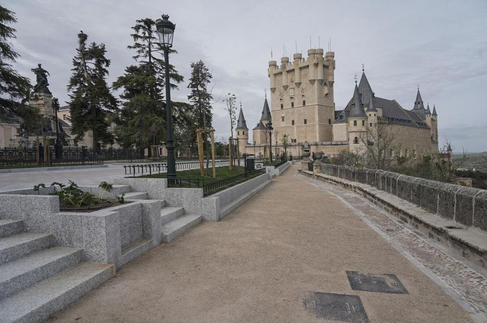 Así es la 'nueva' plazuela del Alcázar de Segovia (fotos)