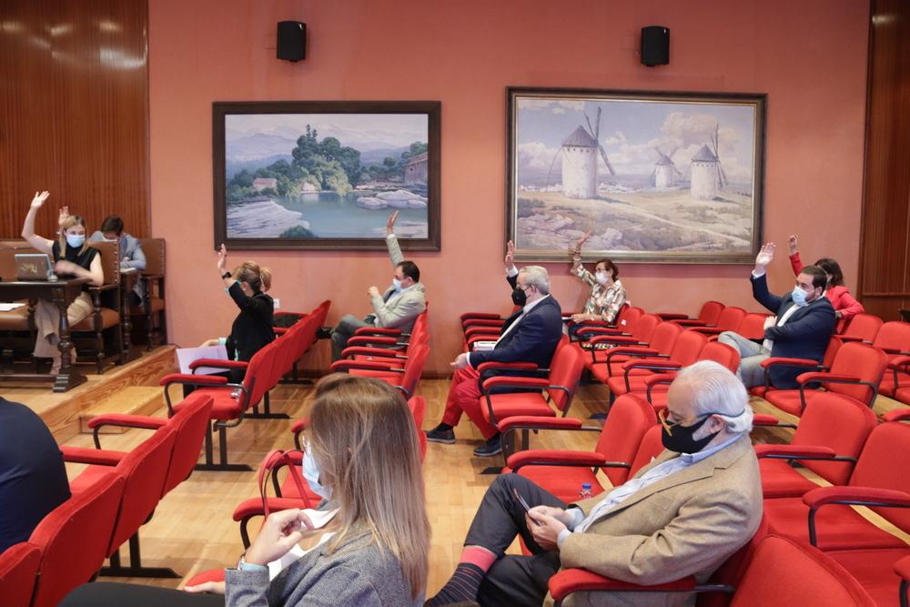El Pleno declara causa de incompatibilidad de López-Villalta
