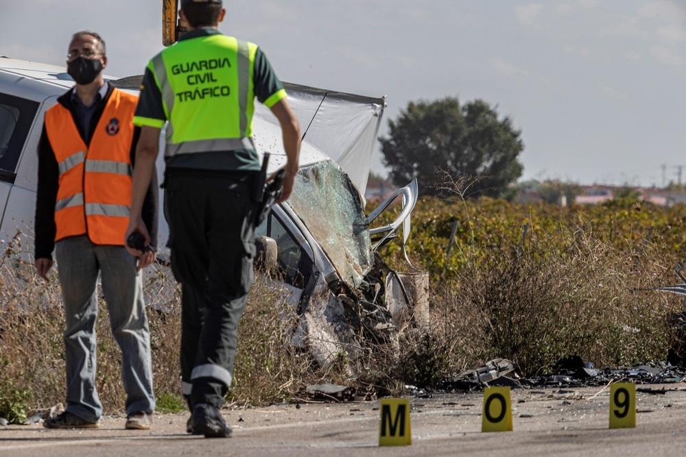 Tres fallecidos y tres heridos en un choque frontal en Lillo