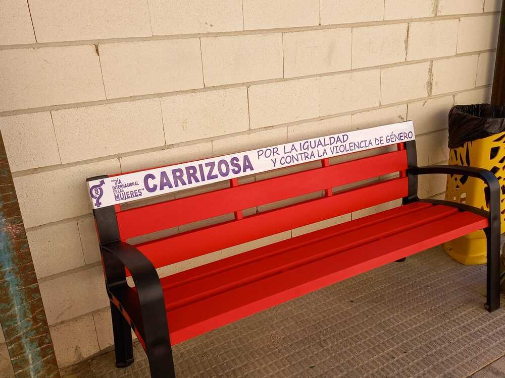 Graffiti, bancos y papeleras por la igualdad en Carrizosa