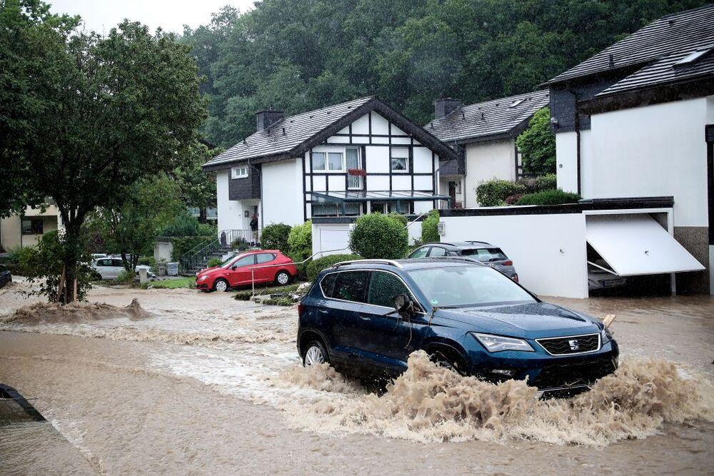 Thunderstorm with heavy rain hits North Rhine-Westphalia