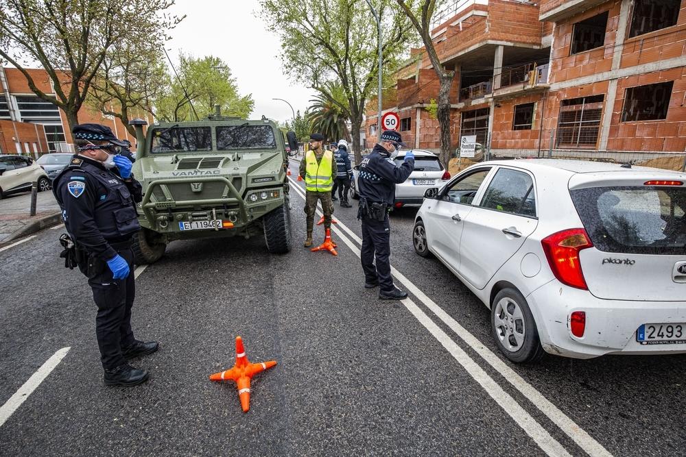 La Policía Local ha realizado un gran servicio durante el confinamiento junto a militares y compañeros de otros cuerpos de Seguridad