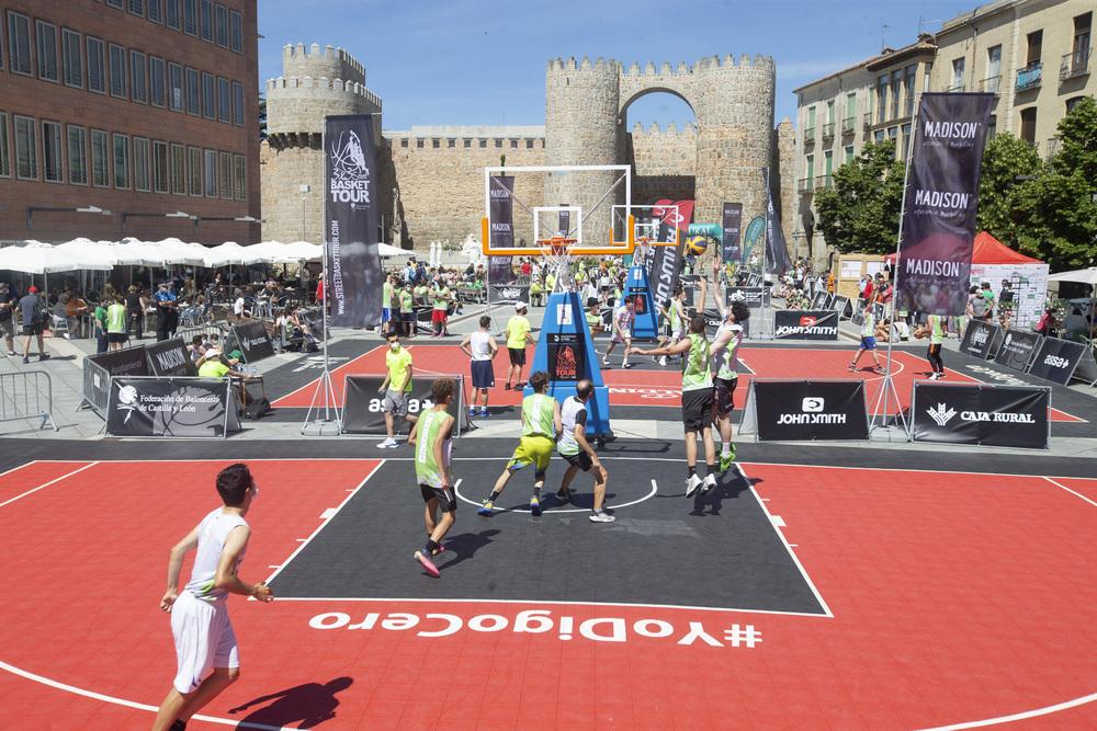 Baloncesto 3x3 Street Basket Tour de Castilla y León, plaza de Santa Teresa.