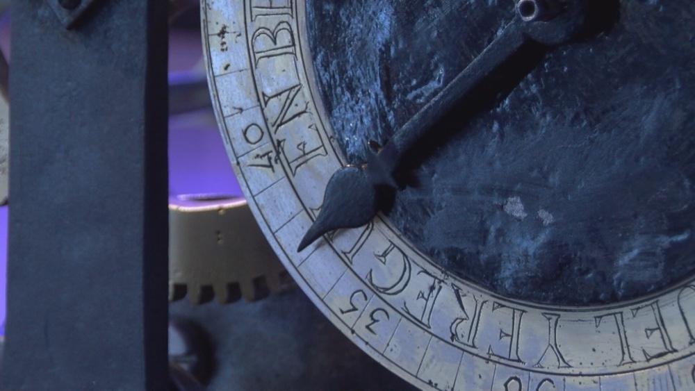 El reloj de Pamplona de 1827 vuelve a marcar la hora