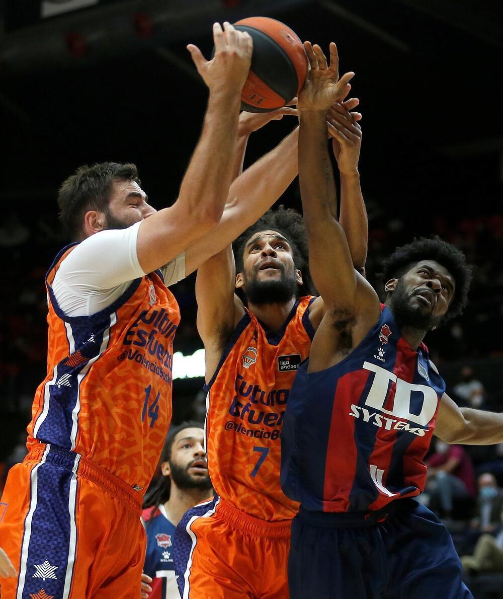 El Valencia Basket se hace fuerte en La Fonteta