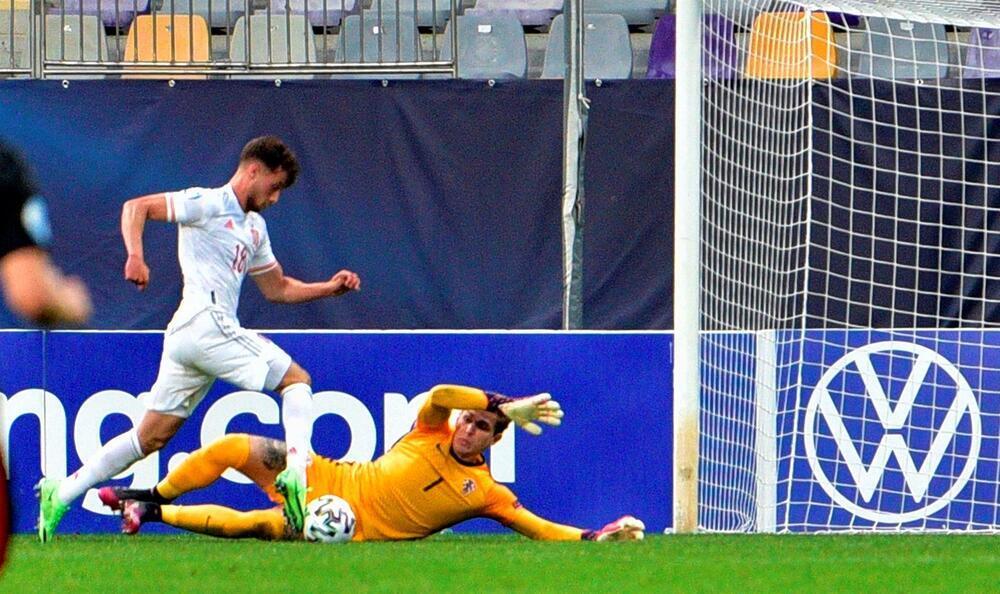 Puado rescata a España y la mete en semifinales