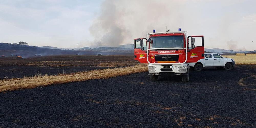 Un incendio obliga al corte de la CR-4129