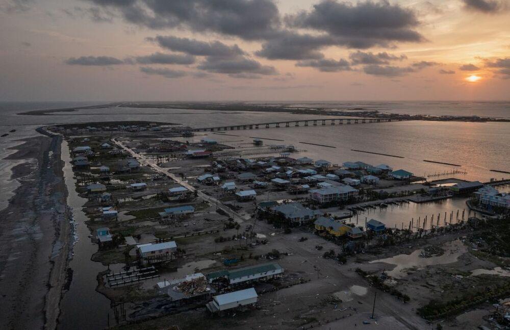 Al menos 42 muertos por los estragos de 'Ida' en la costa Es