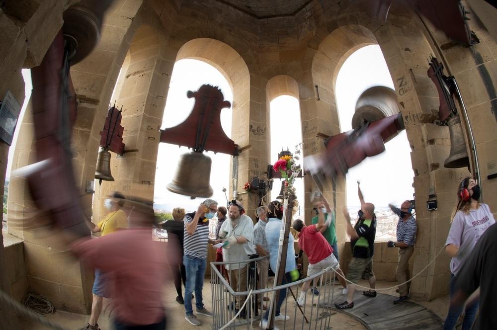 Las campanas de la catedral resuenan con fuerza por Santiago