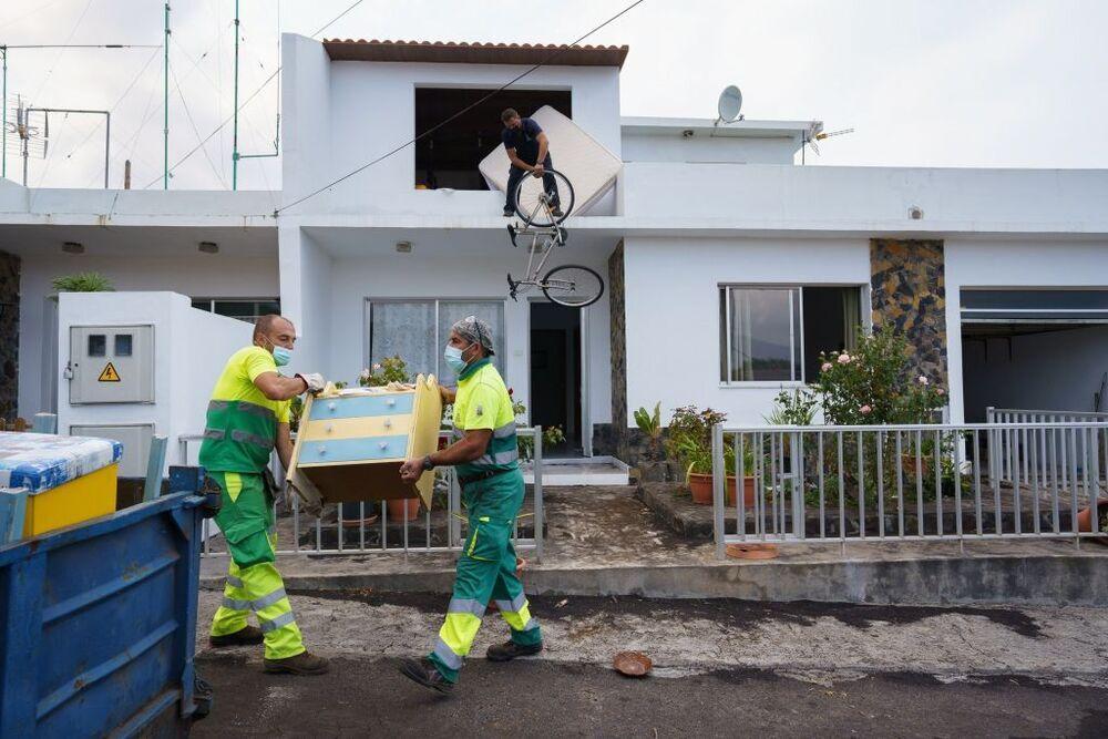 Desde las 08.00 hasta las 21.00 horas de ayer los habitantes pudieron acceder de manera controlada a sus inmuebles para acabar de recoger sus cosas.