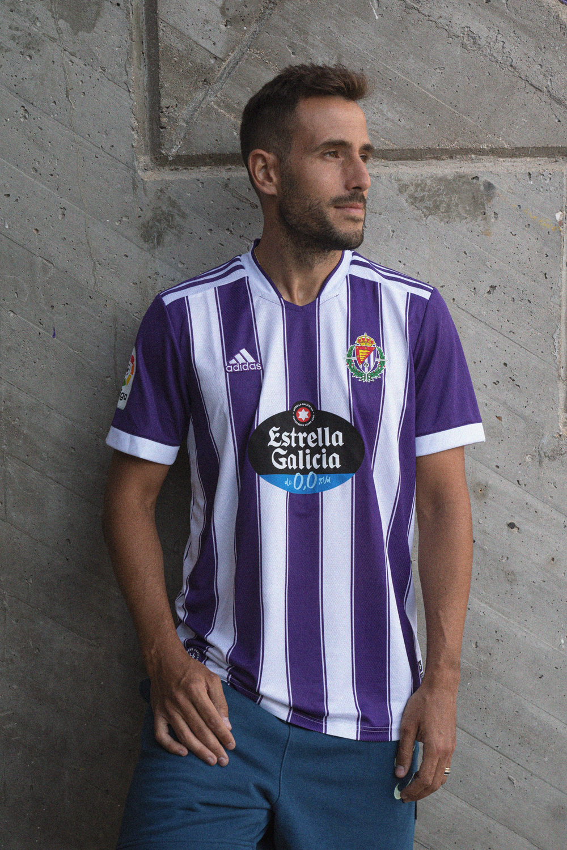 Presentación de la primera equipación del Real Valladolid.