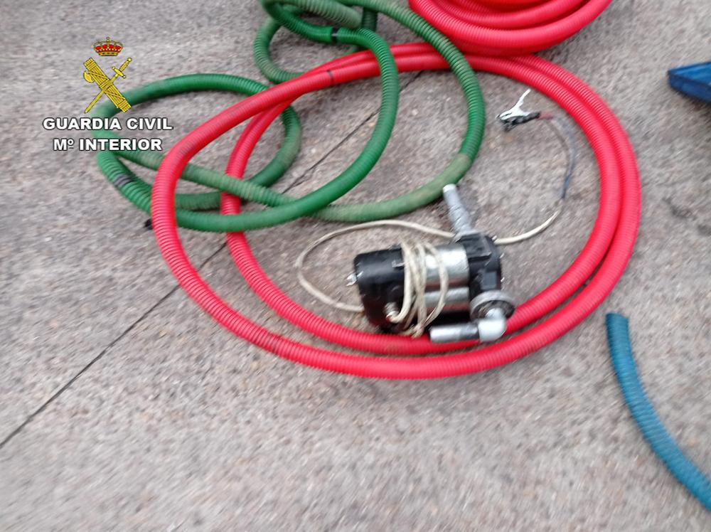 Dos detenidos por robar 1.900 litros de gasoil
