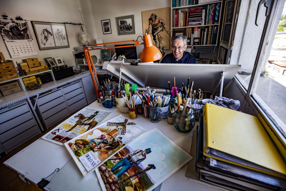 """REPORTAJE CON EL DIBUJANTE DE CÁ""""MIC Y PINTOR DE PUERTOLLANO VICTOR BARBA, comic, victor barba dibujante de comis, comic, autor del libro de comic de la historia de ciudad real"""