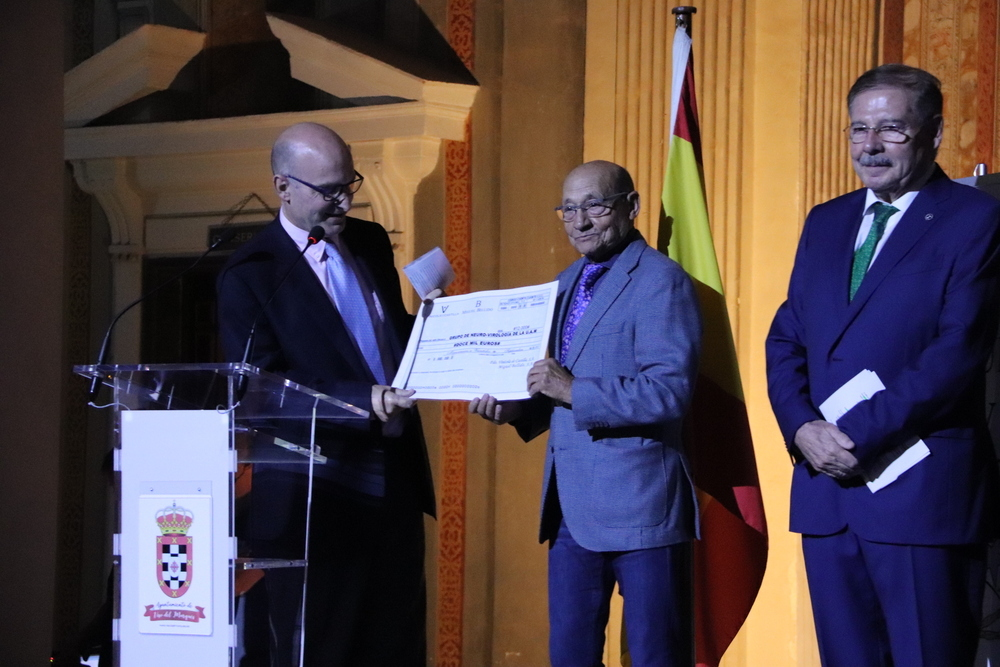 La UME recibe el premio Tertulia XV por su labor humanitaria