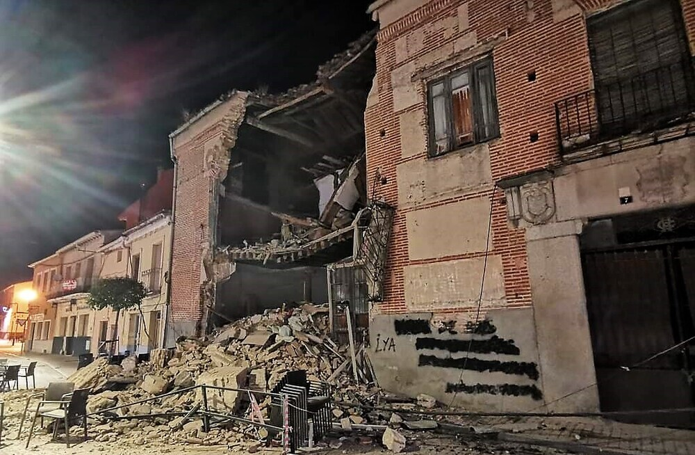 Se derrumba una casa en Arévalo sin causar daños personales