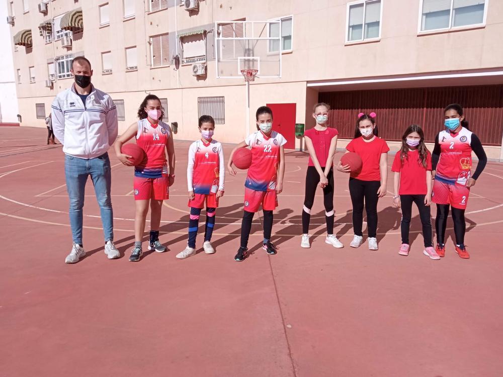 Conjunto alevín femenino de Pozuelo de Calatrava de baloncesto.