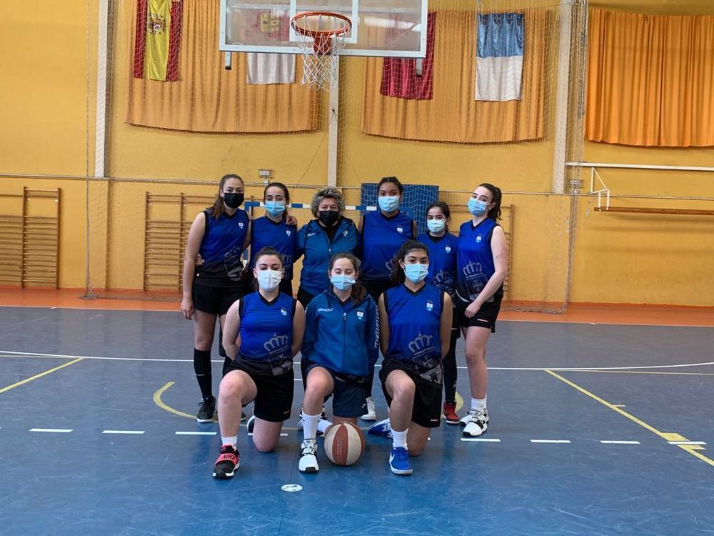 Conjunto cadete de Torralba de Calatrava de baloncesto.