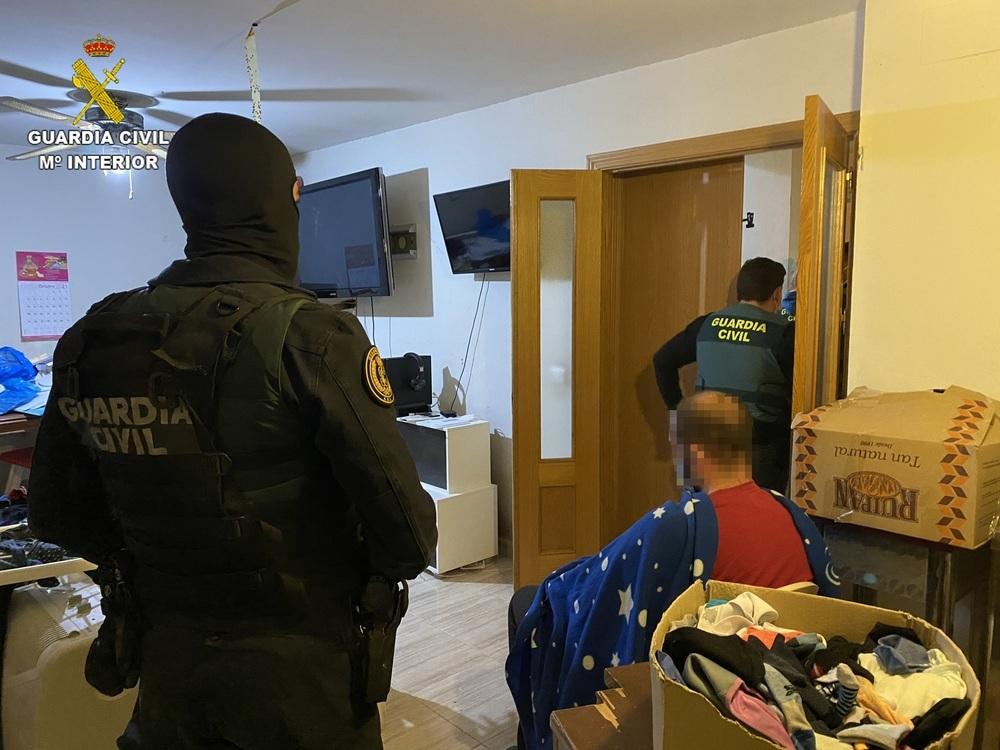El atracador fue detenido en su casa de El Viso de San Juan.