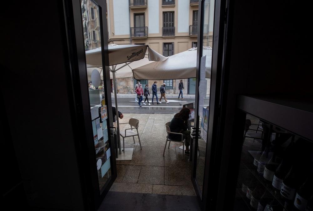 La hostelería reabre interiores tras mes y medio cerrados