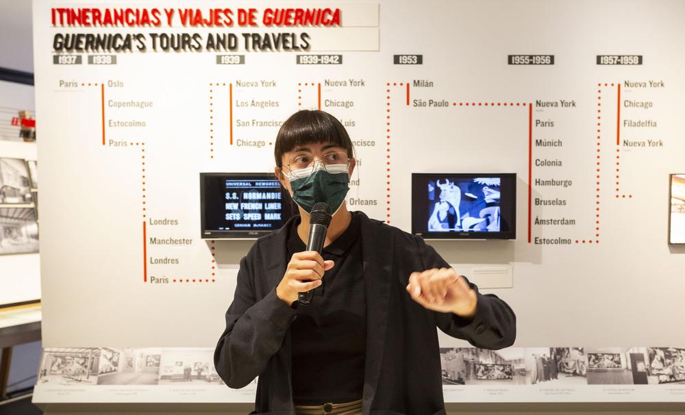 Manuela Pedrón, comisaria de la exposición.