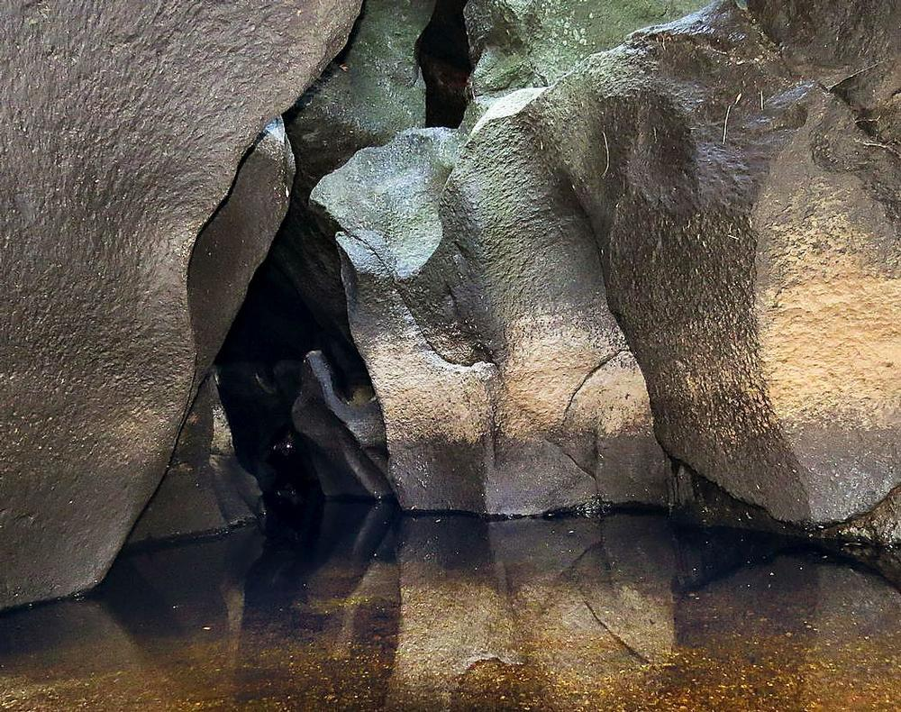 Intrerior de las cuevas del Margañán, o de Zurraquín