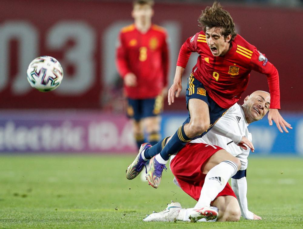 Dani Olmo resucita a España