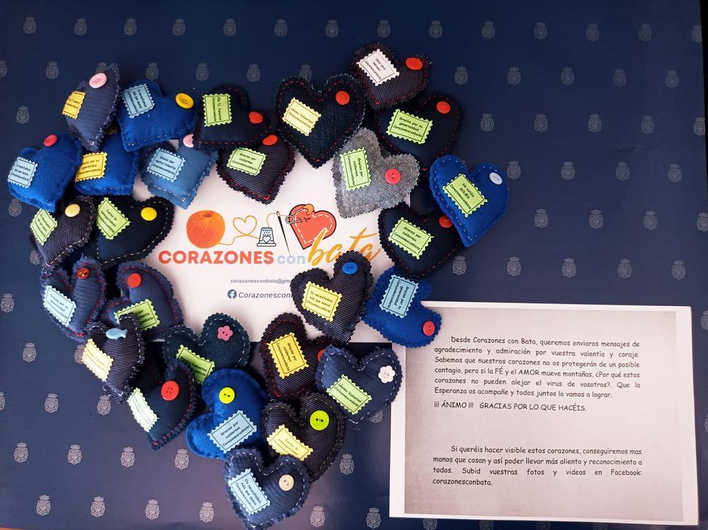 Las decenas de corzaones recibidos están llenos de mensajes de agradecimiento.