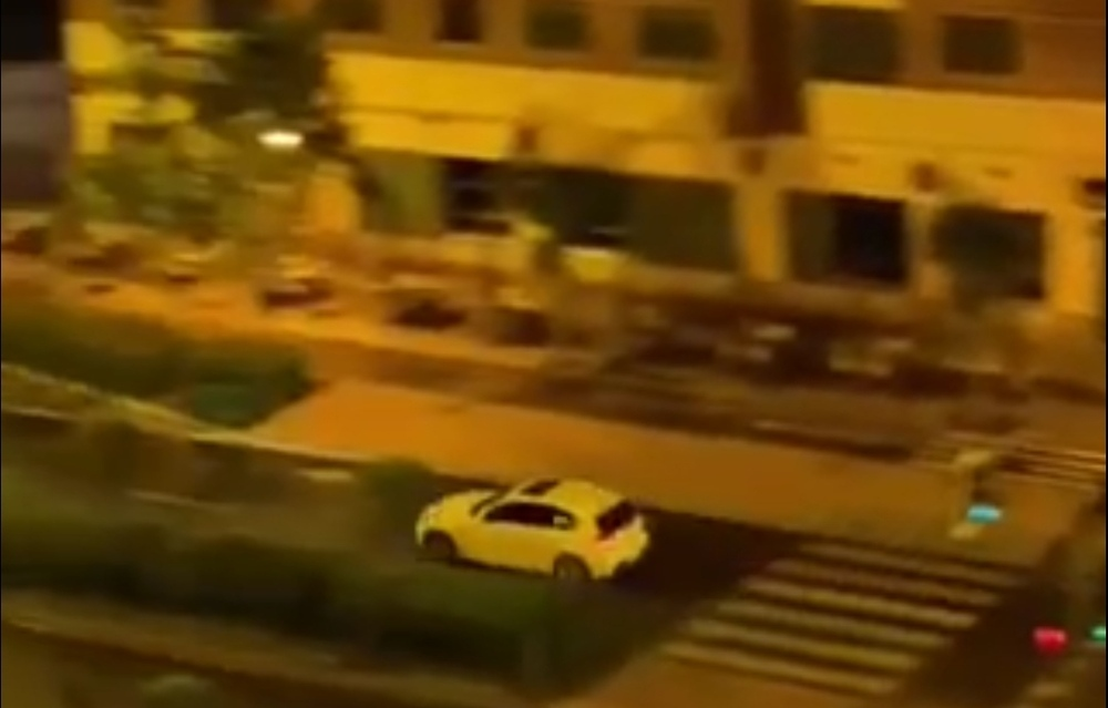 BMW a la fuga tras un robo en el paseo de Zorrilla.