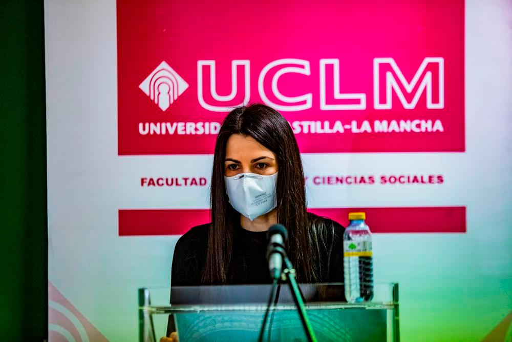 Verónica Muñoz, premiada por el Colegio de Economistas