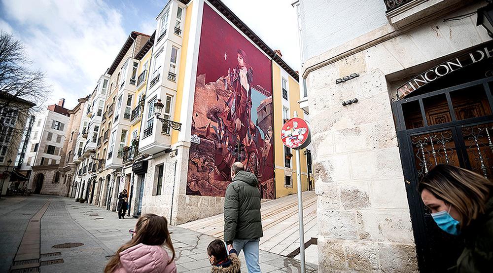 Gran mural en la calle Hospital de los Ciegos.